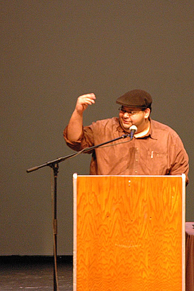 Rich Villar podium